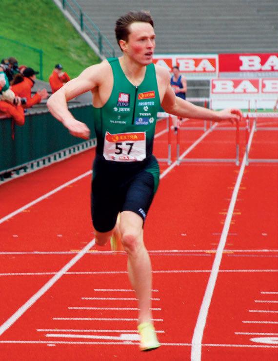 BANEREKORD: Karsten Warholm over mål til 48,23 på 400 meter hekk, en tid bare han selv har underskredet i verden før i år. Dessuten slo han banerekorden til dobbelt OL- og VM-vinner Felix Sanchez. Likevel holdt det ikke til sunnmøringens sjette strake kongepokal.
