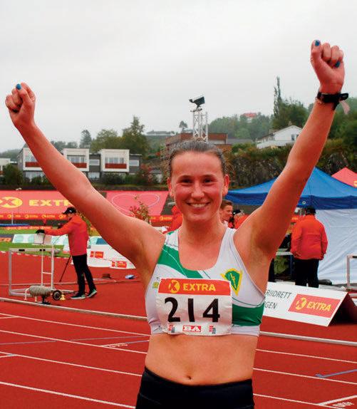 KAPPGANG: Etter sølv bak Merete Helgheim de to siste årene, gikk Siri Gamst Glittenberg inn til en soleklar seier i 3000 meter kappgang. Laksevåg-jenta kopierte dermed sitt gull fra inne-NM i vinter, og kunne juble med god grunn etter en populær lokal triumf.1997.