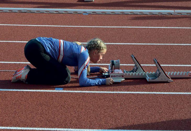 MER RESTITUSJON: Å være friidrettsutøver under denne koronatiden har vært både positivt og negativt. Skole, trening, mat og søvn har gått mer opp med hverandre. Jeg har sluppet å reise frem og tilbake fra skolen, som har gitt mer tid til restitusjon , forteller Andrea Rooth. FOTO: KRISTIN ROSET