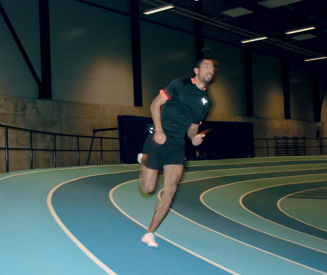 GODE TRENINGSFORHOLD: Svingløping er viktig å trene på for en 200-meterspesialist. Rudhallen er et av flere viktige treningssteder for Jonathan Quarcoo.