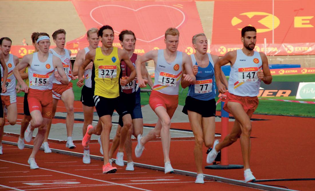 AFRIKANSKE GENER: Jacob Boutera ser ikke bort fra at hans afrikanske gener er en medvirkende årsak til hans framgang på friidrettsbanen. Hans far, Jan Boutera, er fra Algerie, nabolandet til Marokko, og var selv en habil løper for KFUM i unge år. Han følger nå nøye med på utviklingen til sønnen, som her fører an i finalen på 1500 meter i Bergen i fjor.